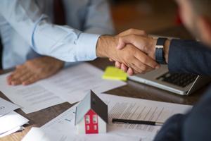san antonio real estate agent helping landlord rent their property